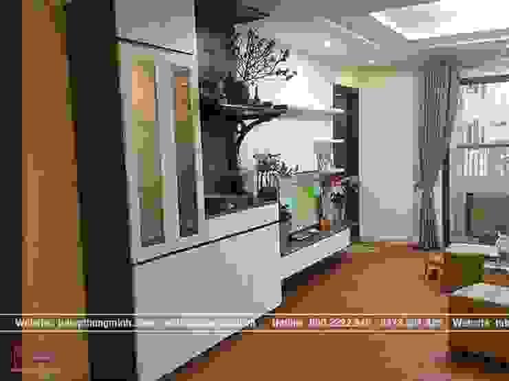 Ảnh thực tế nội thất phòng khách gỗ công nghiệp melamine nhà anh Thảo ở Ngoại Giao Đoàn bởi Nội thất Hpro