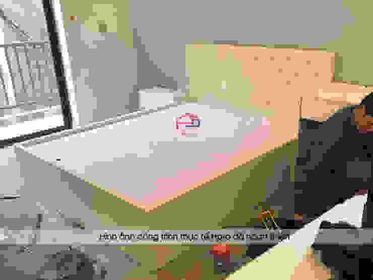 Ảnh thi công lắp đặt giường ngủ melamine màu trắng nhà anh Trí ở Nam Định: hiện đại  by Nội thất Hpro, Hiện đại