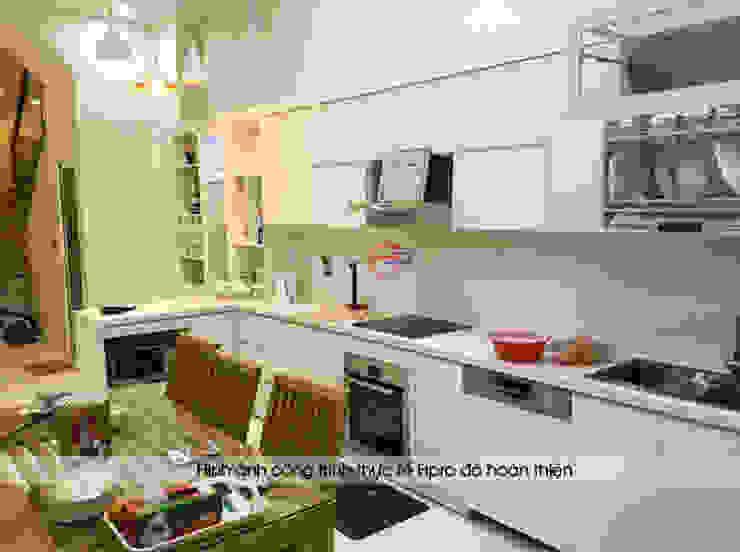 Hoàn thành thi công tủ bếp acrylic màu trắng chị Thu ở Long Biên: hiện đại  by Nội thất Hpro, Hiện đại
