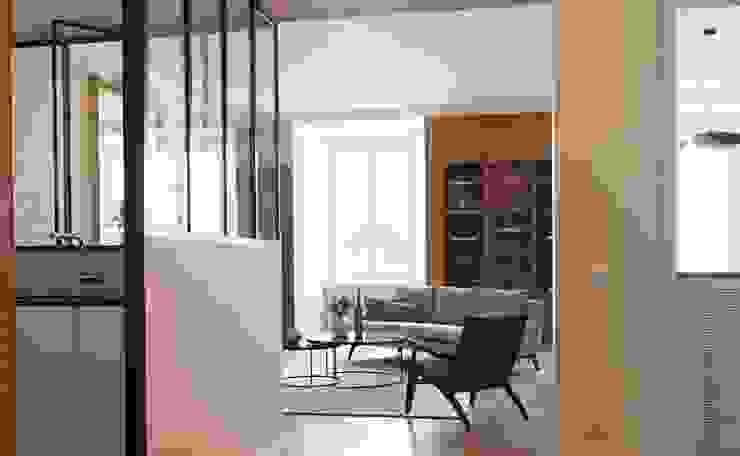 Lichelle Silvestry Interiors Pasillos, vestíbulos y escaleras de estilo moderno