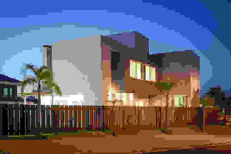 Fachada Posterior Casas modernas por Carolina Burin & Arquitetos Associados Moderno