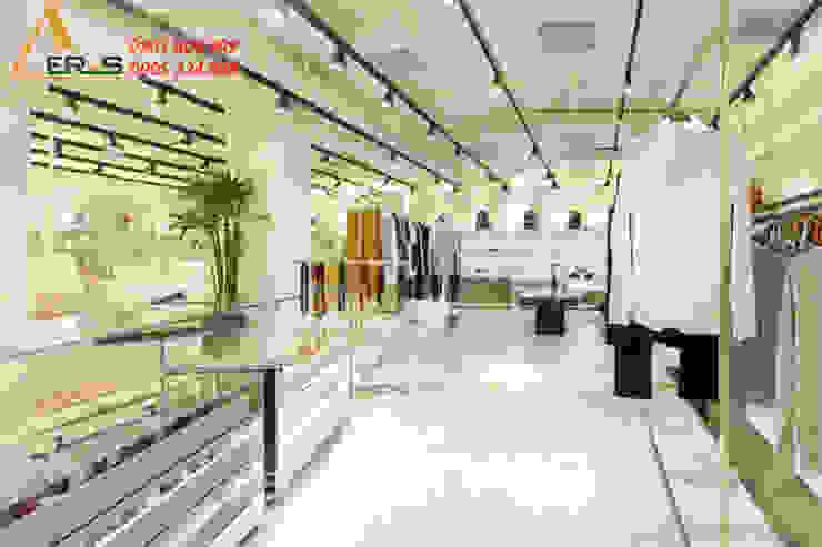 Thiet ke shop thoi trang Runway – Quan 3 bởi xuongmocso1 Nhiệt đới