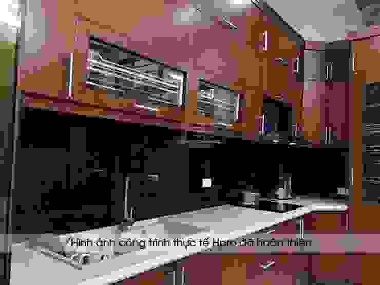 Hpro hoàn thiện lắp đặt tủ bếp gỗ sồi mỹ nhà anh Phương ở Đức Giang: hiện đại  by Nội thất Hpro, Hiện đại