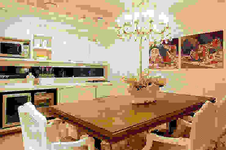 Cozinha por Anne Báril Arquitetura Clássico