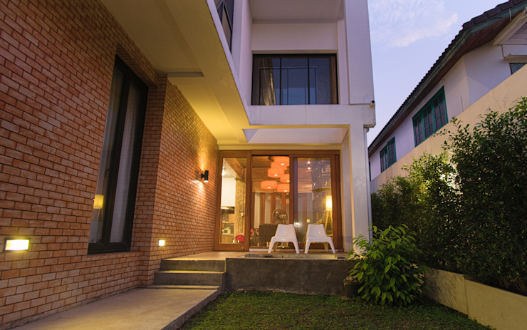 Back Yard Pilaster Studio Design
