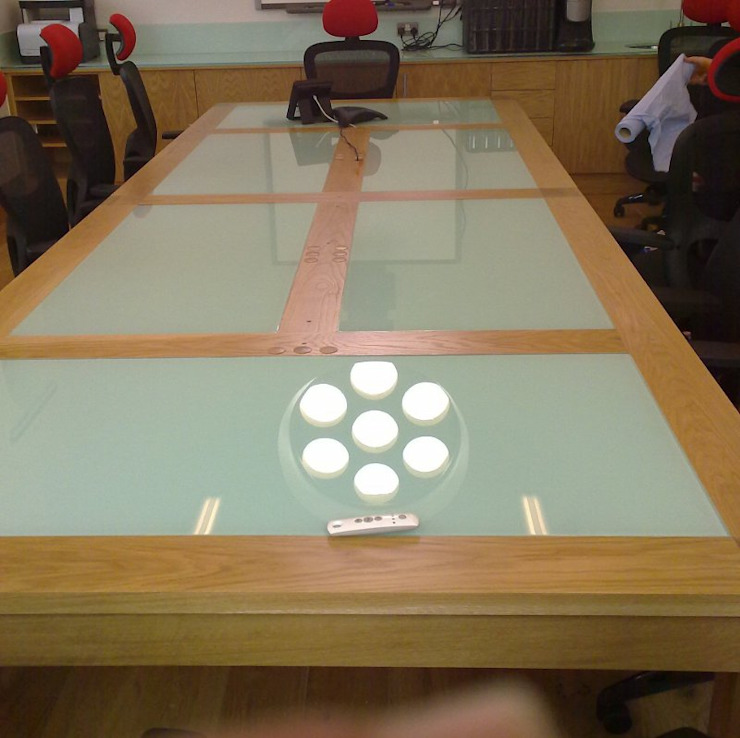Backpainted glass inlaid table Ion Glass Office spaces & stores Glass