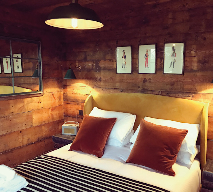 Tiger Lodge Eclectic style bedroom by Building With Frames Eclectic Wood Wood effect