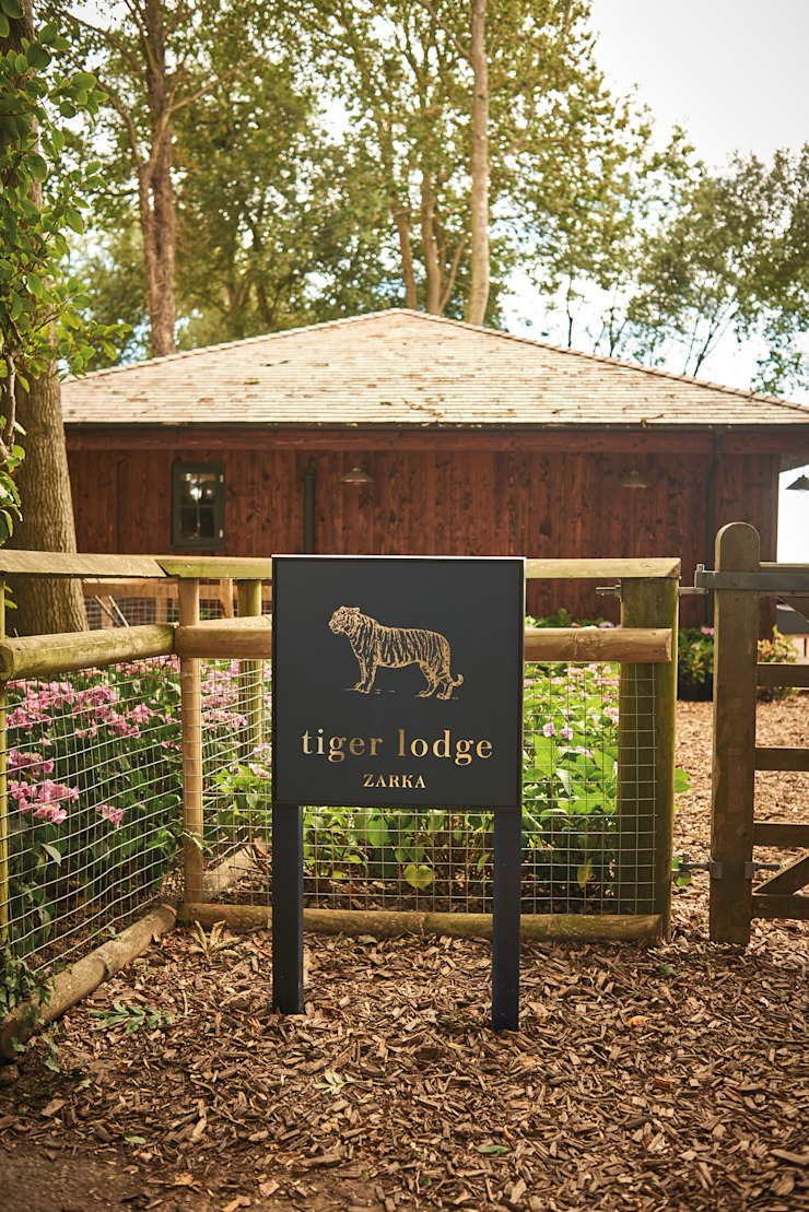 Tiger Lodge by Building With Frames Eclectic Wood Wood effect