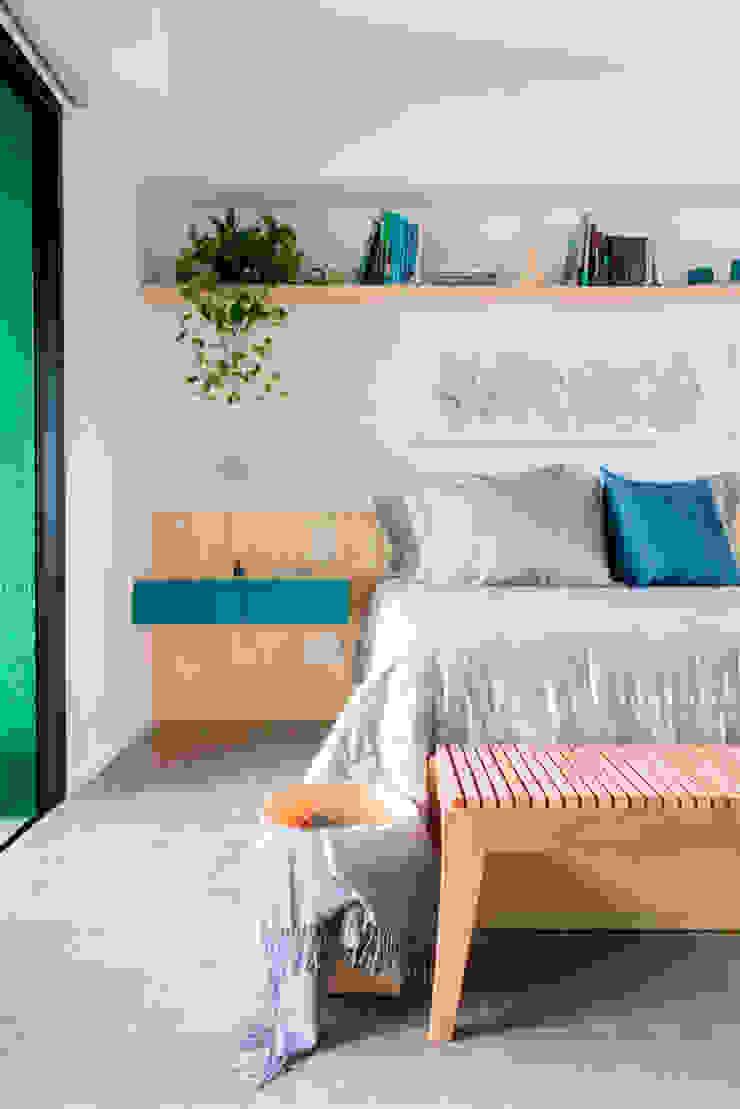 Quarto compacto e funcional by INÁ Arquitetura Modern