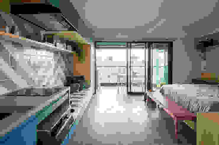 Circulação centralizada Modern Living Room by INÁ Arquitetura Modern