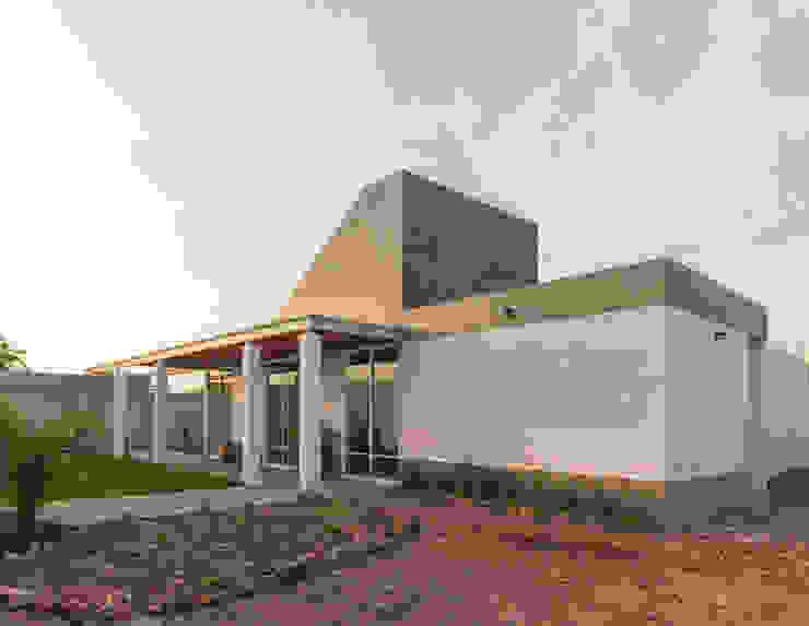 根據 Apaloosa Estudio de Arquitectura y Diseño 現代風