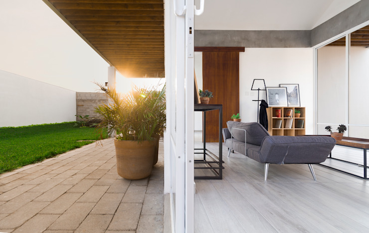 Couloir, entrée, escaliers modernes par Apaloosa Estudio de Arquitectura y Diseño Moderne