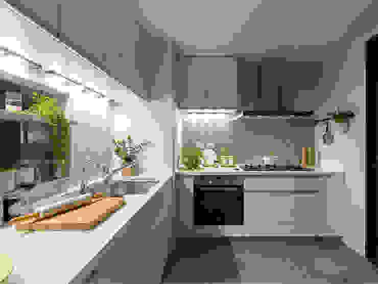 Küche von 寓子設計, Skandinavisch