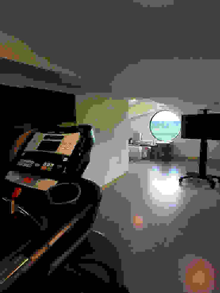 4F健身運動空間 houseda 健身房 磁磚 Yellow