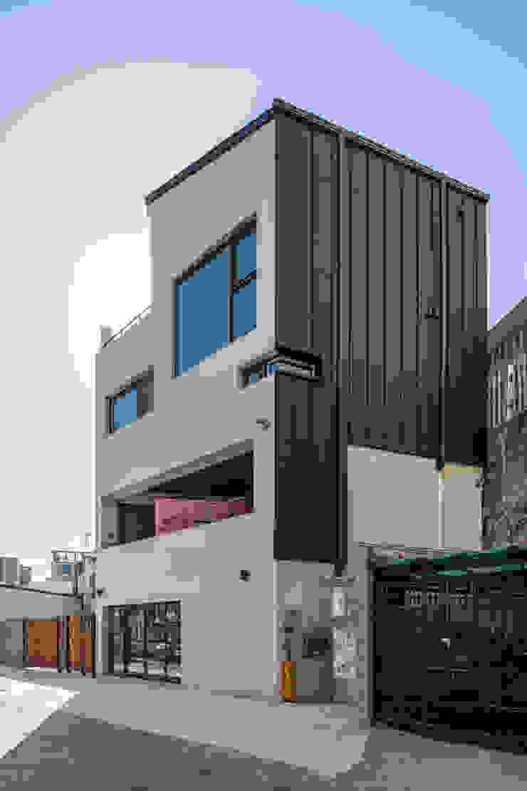 interior & architecture by INARK 대구 달서구 두류동 도담도담 하우스 대구 협소주택 소형주택 상가주택 전원주택 인아크 건축 설계 인테리어 디자인 by inark [인아크 건축 설계 디자인] 미니멀