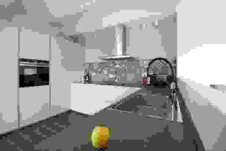 Flavia Benigni Architetto Cocinas equipadas Azulejos Gris