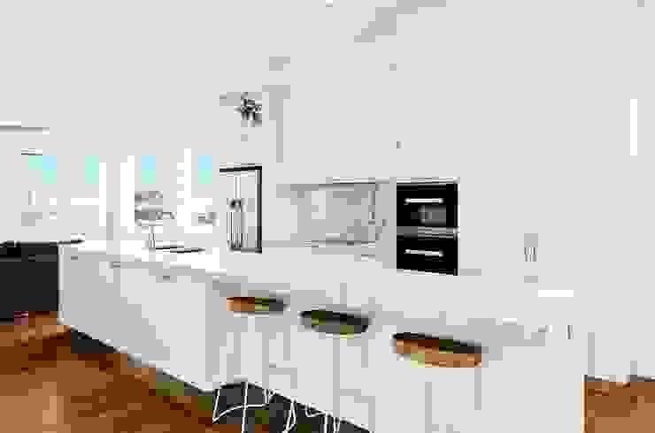 Chăm sóc thế nào để đá marble ốp bàn bếp luôn sáng bóng và hấp dẫn: hiện đại  by Công ty TNHH truyền thông nối việt, Hiện đại