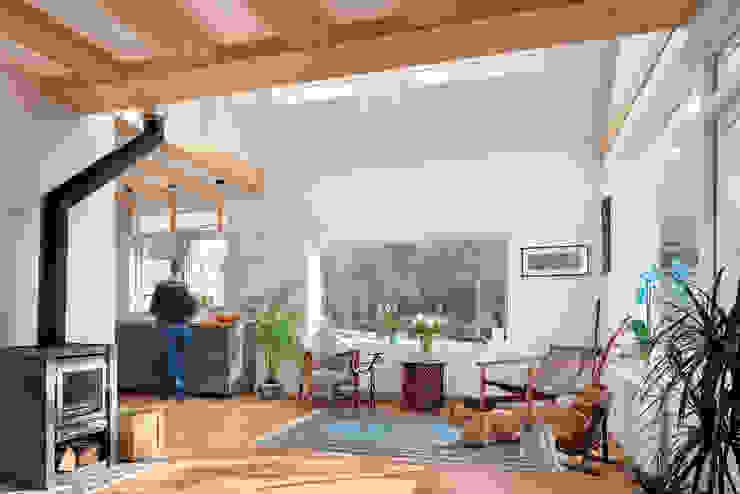 woonkamer verbouwing jaren 50 bungalow Scandinavische woonkamers van robin hurts architect Scandinavisch Hout Hout