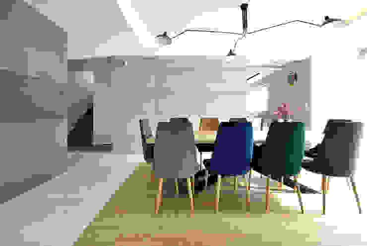 Piotr Stolarek Projektowanie Wnętrz Sala da pranzo moderna Variopinto
