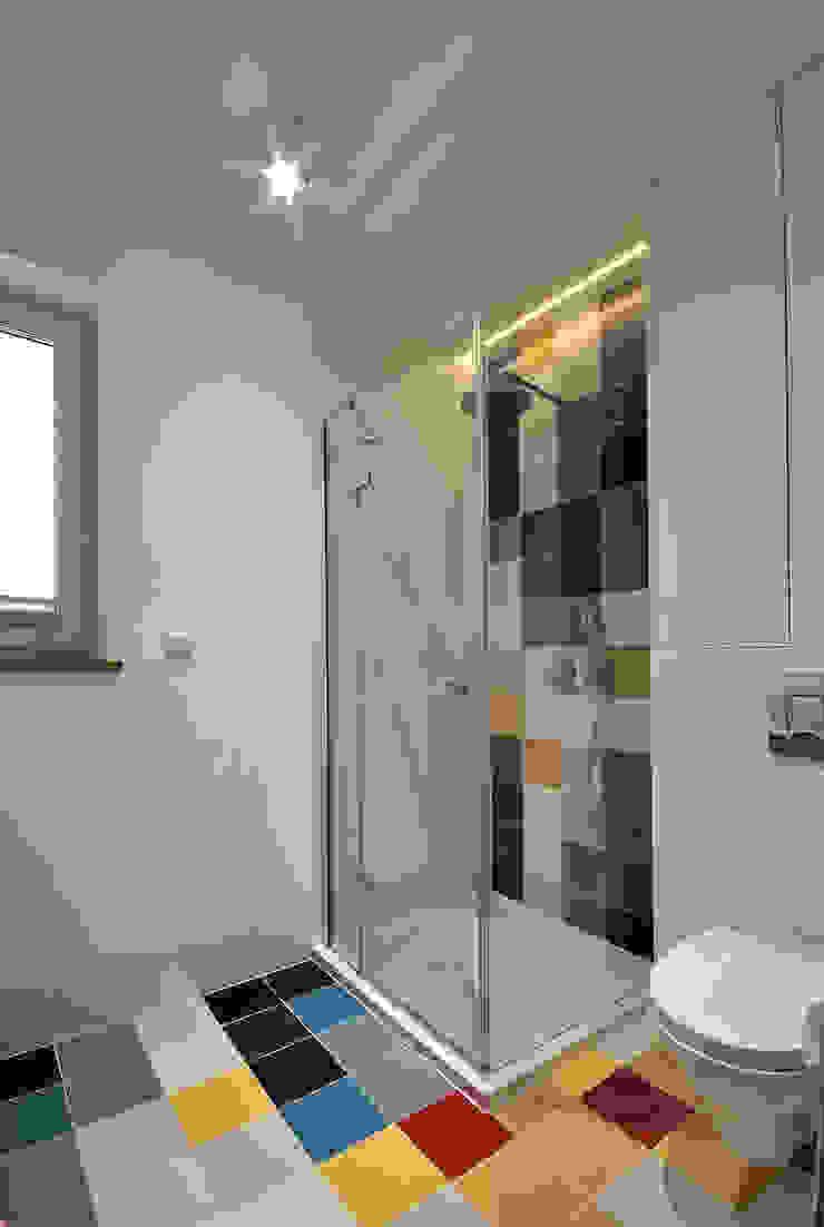 Piotr Stolarek Projektowanie Wnętrz Modern bathroom Multicolored