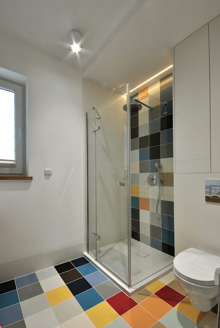 Piotr Stolarek Projektowanie Wnętrz Salle de bain moderne Multicolore