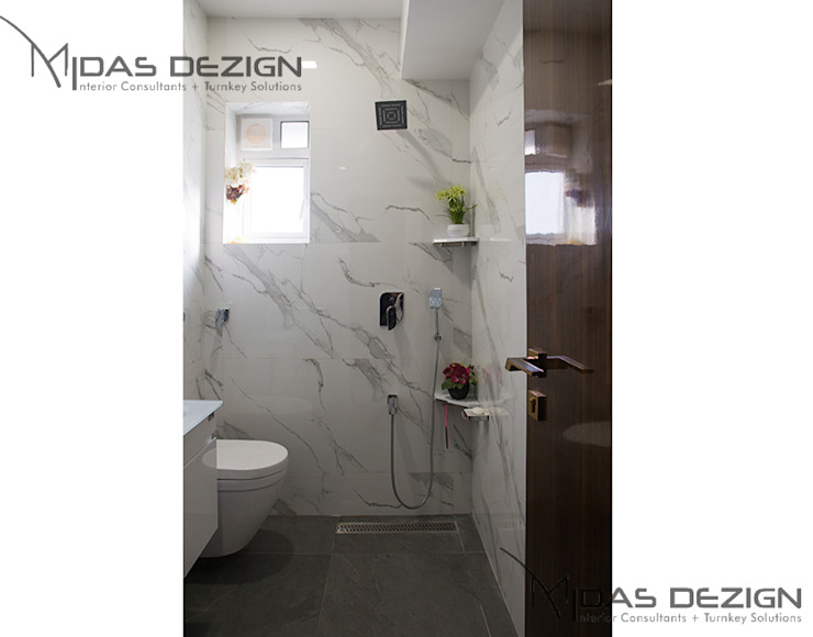 4BHK, Next to Amitabh Bachchan's Bunglow:  Bathroom by Midas Dezign,Modern
