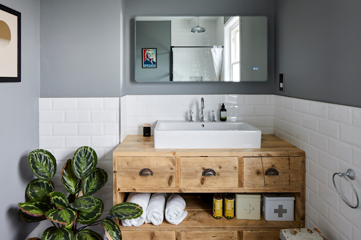 Home Renovation, Forest Hill Modern bathroom by Resi Architects in London Modern