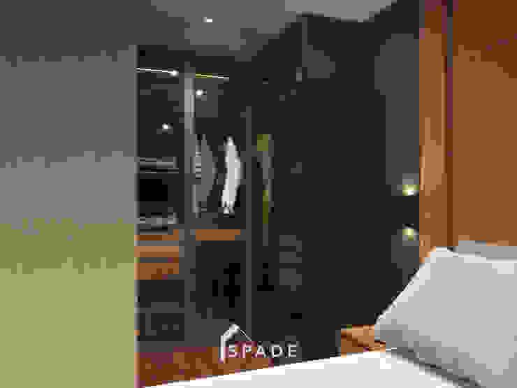 Lemari pakaian 1 Oleh SPADE Studio Indonesia Minimalis