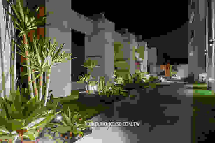 大地工房景觀公司 Balcones y terrazas de estilo tropical