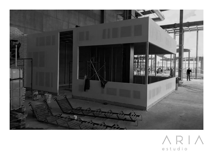 Moderne Ladenflächen von Aria Estudio Modern