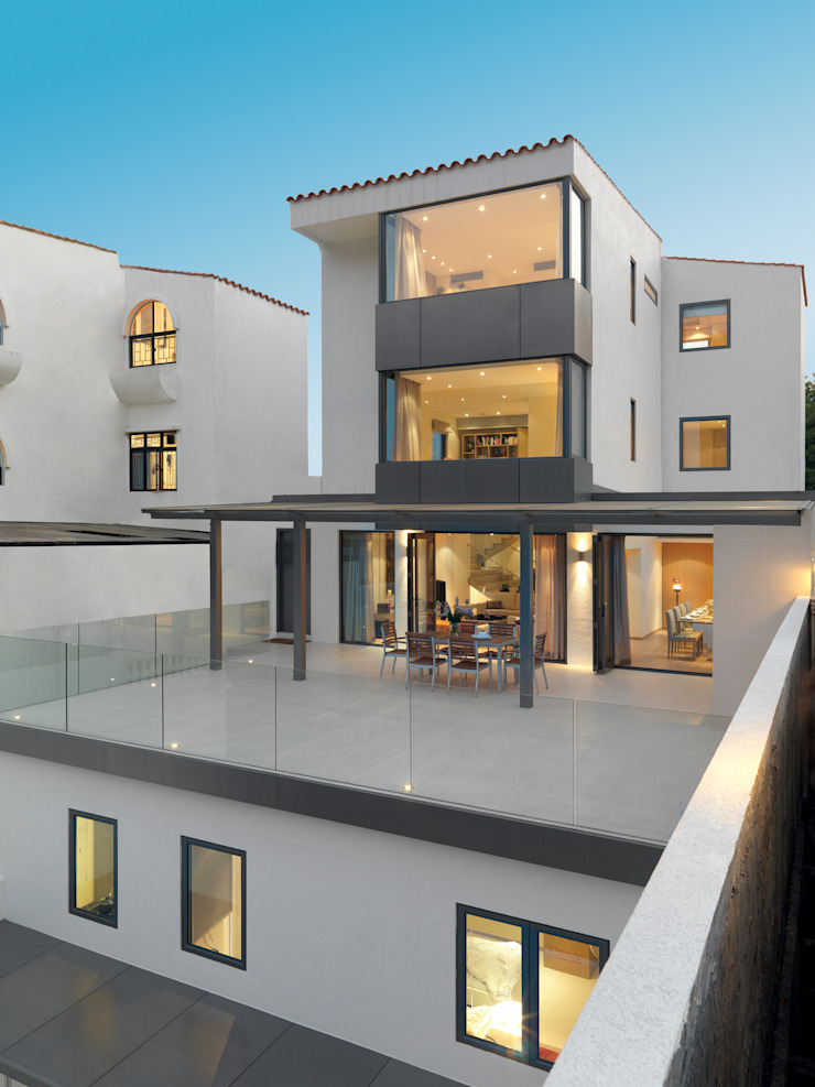 Pok Fu Lam House Modern houses by Original Vision Modern