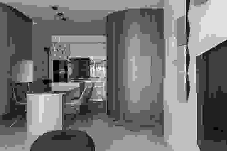 entrance 現代風玄關、走廊與階梯 根據 湜湜空間設計 現代風 木頭 Wood effect