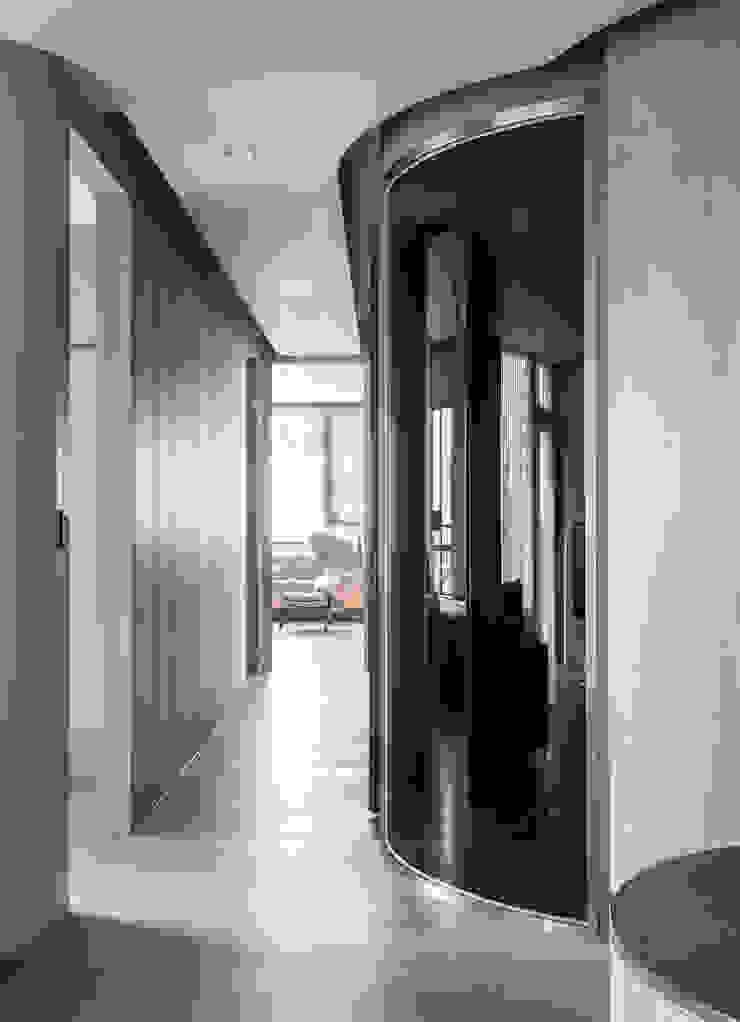 corridor 現代風玄關、走廊與階梯 根據 湜湜空間設計 現代風