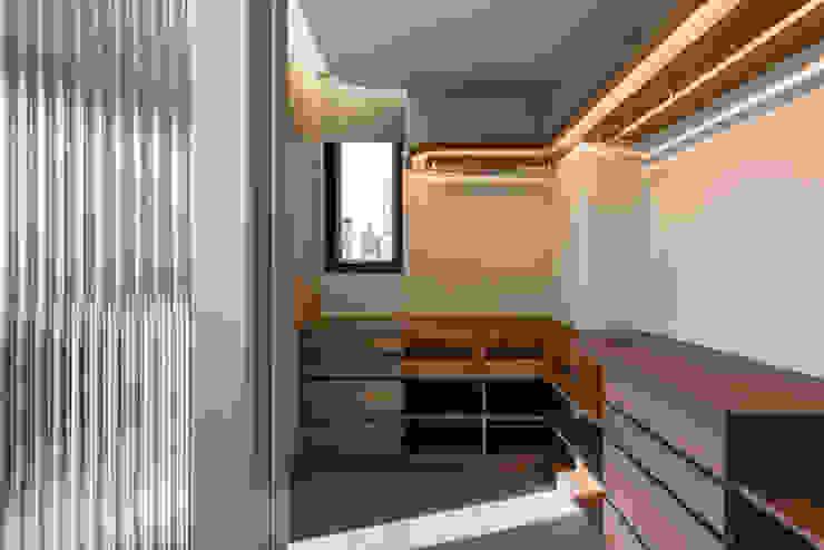 dressing room 根據 湜湜空間設計 現代風 木頭 Wood effect