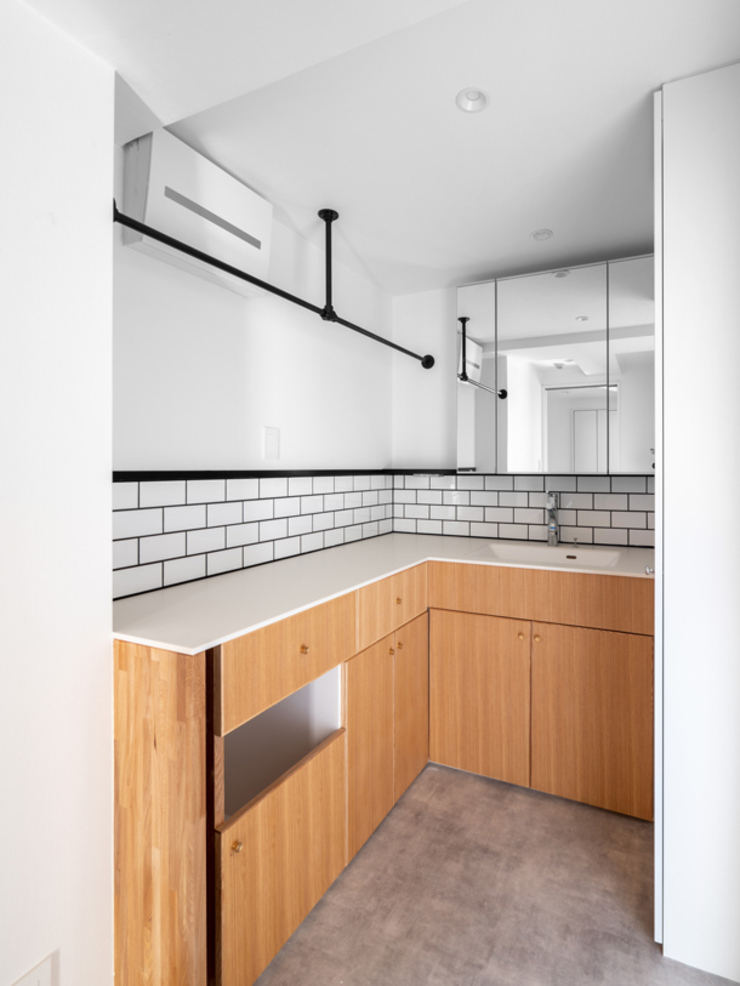 Baños de estilo moderno de 株式会社エキップ Moderno Azulejos