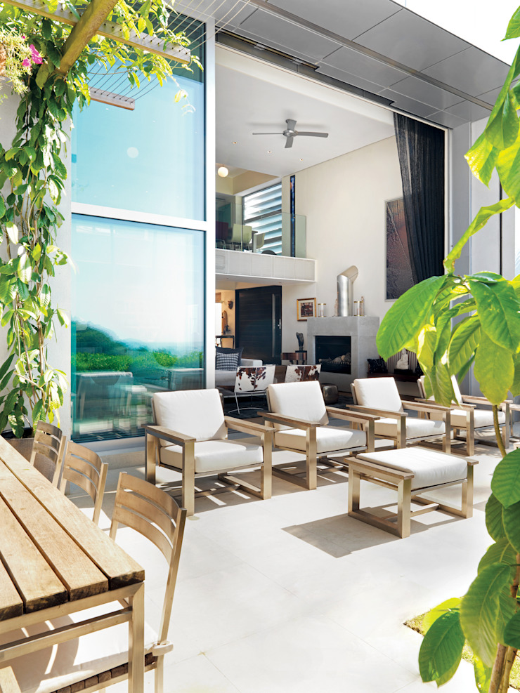 Peak House Modern balcony, veranda & terrace by Original Vision Modern