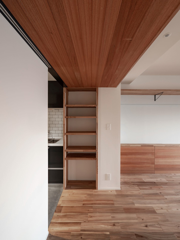 株式会社エキップ Modern living room Solid Wood Wood effect