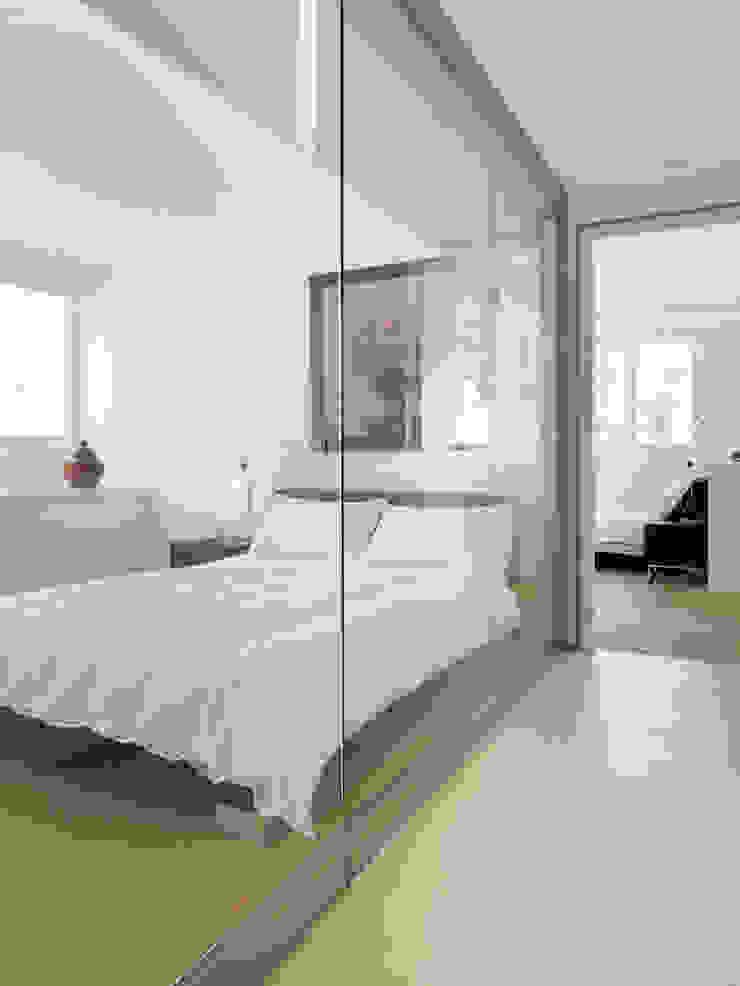 Minimalistyczna sypialnia od Original Vision Minimalistyczny