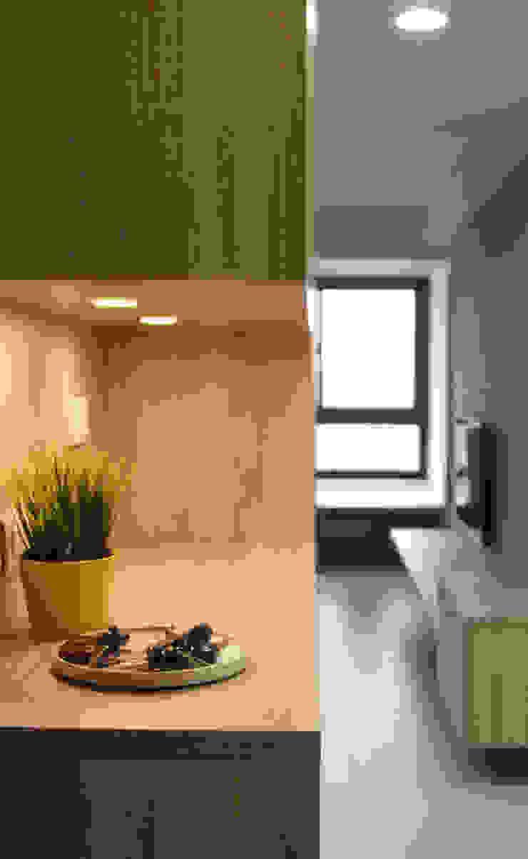 溫暖暖男系列-愛妻宣言 長城工程設 亞洲風玄關、階梯與走廊 塑木複合材料 Brown