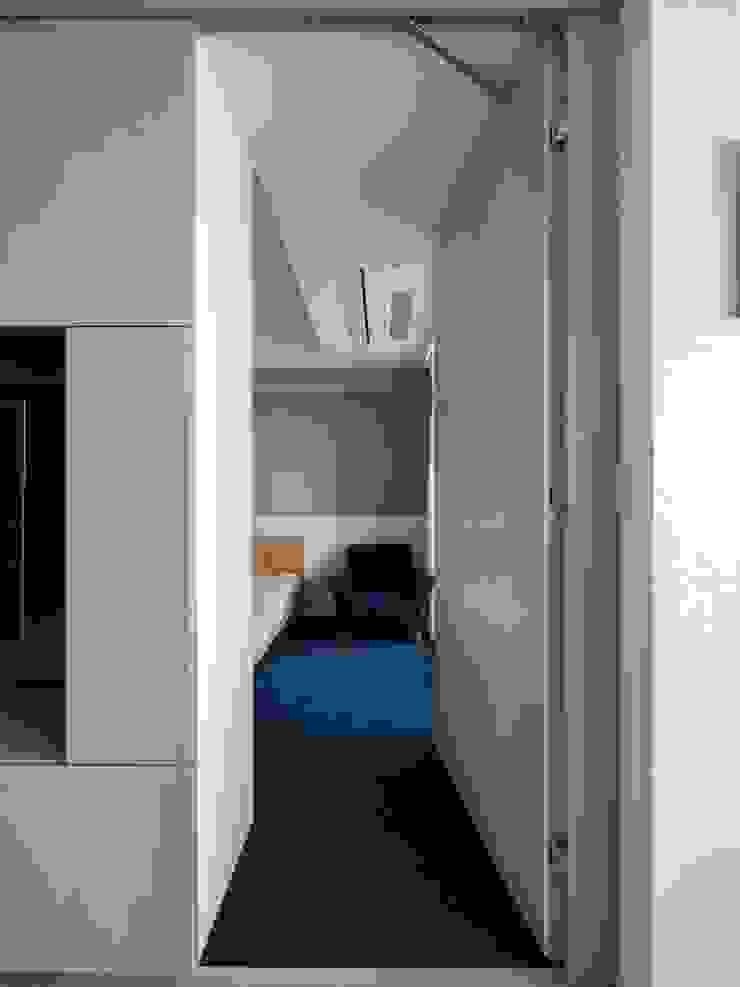 Dormitorios infantiles modernos de 株式会社エキップ Moderno