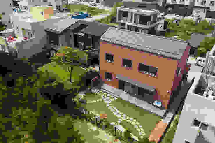 이유있는가: 소하  건축사사무소    SoHAA의  주택,모던