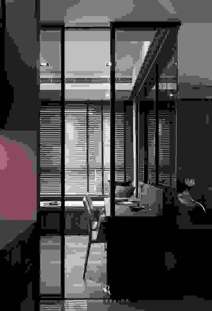 霏霧.烟波|Fog Floated 根據 理絲室內設計有限公司 Ris Interior Design Co., Ltd. 現代風