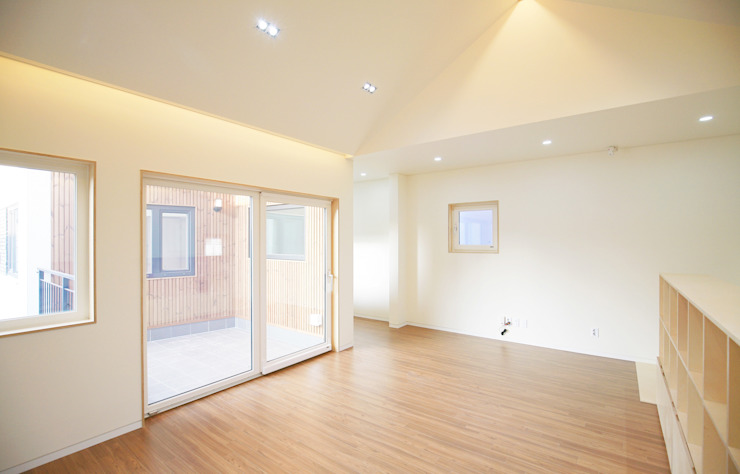 Modern living room by 소하 건축사사무소 SoHAA Modern