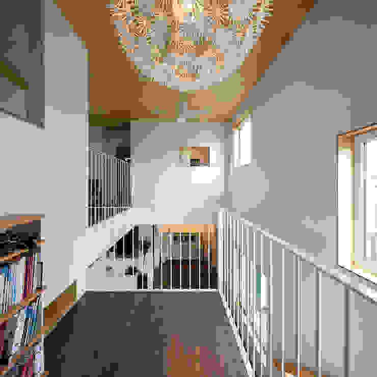 소복소복하우스 스칸디나비아 복도, 현관 & 계단 by 소하 건축사사무소 SoHAA 북유럽