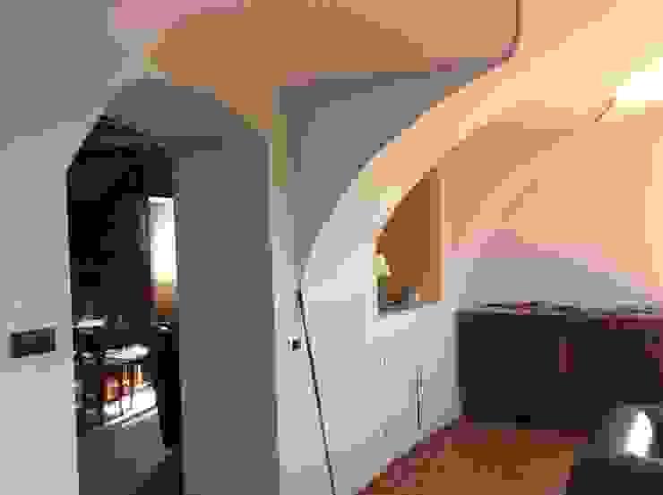 STUDIO ARCHITETTURA SPINONI ROBERTO Koridor & Tangga Gaya Rustic