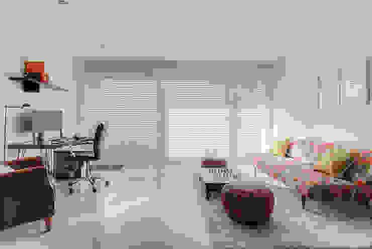 Mediterranean style study/office by lab-R | architectenbureau Mediterranean