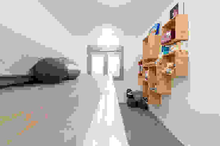 Modern Kid's Room by SMLXL-design Modern