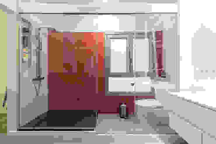 Modern Bathroom by SMLXL-design Modern
