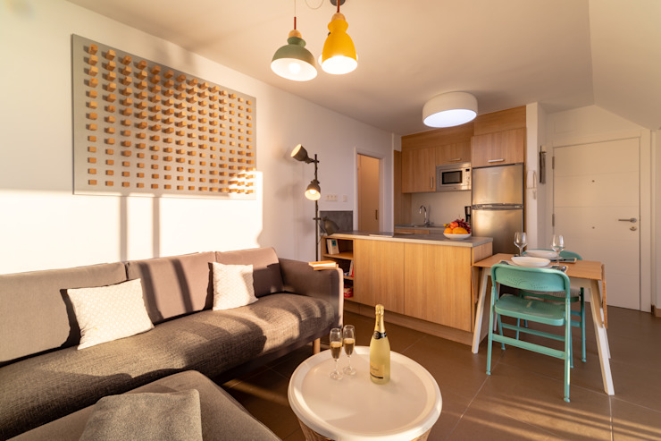 Reforma de vivienda vacacional Rooftop Suite, Living Las Canteras Cocinas de estilo moderno de SMLXL-design Moderno