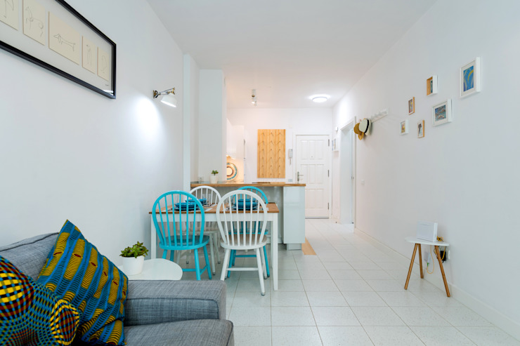 Minimalist dining room by SMLXL-design Minimalist